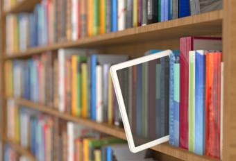 Ebooks, guías y más. Descargables para aprender de captación de fondos digital.